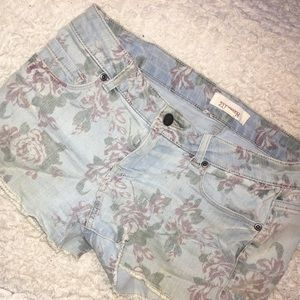 Lightwash floral shorts from 2.1 Denim